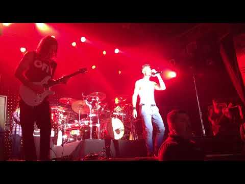 311-'til-the-city's-on-fire-cincinnati-10-23-17