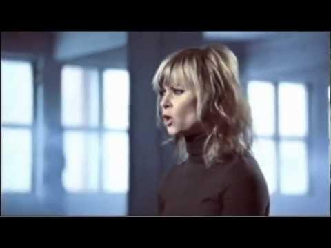 Bertine Zetlitz - Electric Feet feat Samsaya (videoclip oficial) 2012