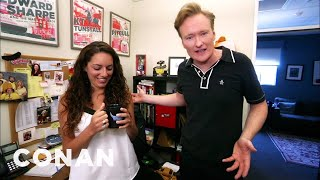 Conan investigates a possible office thief and finds that all his staffers are super-dysfunctional. More CONAN @ http://teamcoco.com/video Team Coco is the ...