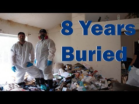 Episode 3 : 8 Years Living Buried Beneath Trash
