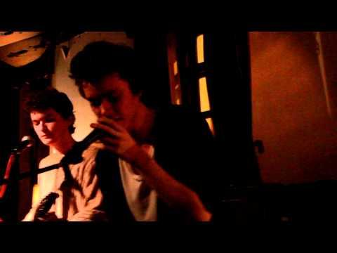 Песня Лес (Время жить и время умирать) (Центр им. Вс. Мейерхольда) - The Retuses скачать mp3 и слушать онлайн