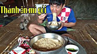 Thánh ăn mì gói - thanh niên ăn hết 10gói mì tôm | Lò Văn Lực