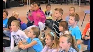 Video Hallo Wereld - Leonardusschool 2012 download MP3, 3GP, MP4, WEBM, AVI, FLV Agustus 2018