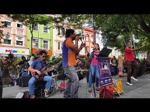 kerimpak kaca lauya-Nurul feat Redeem buskers cover timothy,mantap