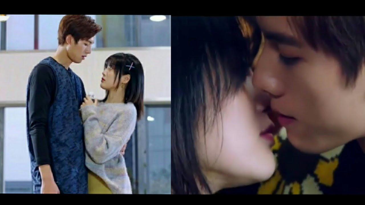 CLIP: 💕 Xia Ye Zhi Jun Nuan (2020)💕 MV   夏夜知君暖   Aaron Deng & Wang Zi Wei   Chinese Drama