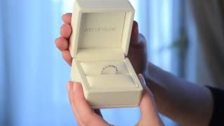 Бриллиантовое обручальное кольцо из белого золота