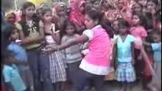 Hot desi village girl dance on bollywood song.mp4
