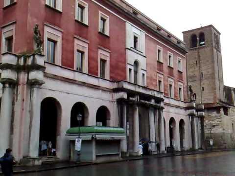 Poste vicenza edificio architettura fascista youtube for Architettura fascista