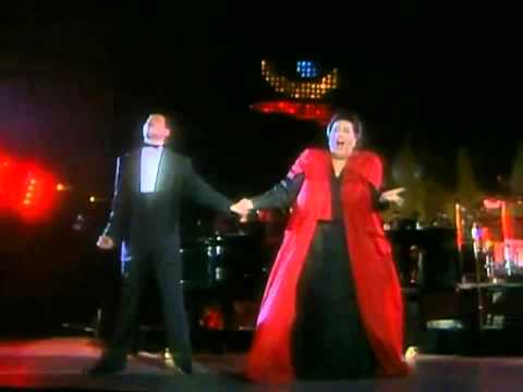 Freddie Mercury & Montserrat Caballé - How Can I Go On (Barc