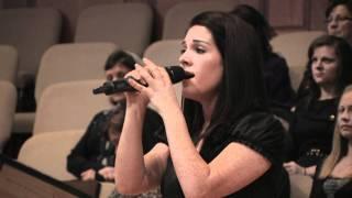 Смотреть клип Дарина Кочанжи - Он Живой