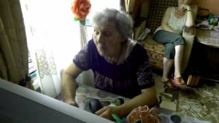 Баба Нина в скайпе.