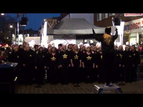 rock-choir-sing-viva-la-vida-at-bromsgrove-xmas-lights-2014