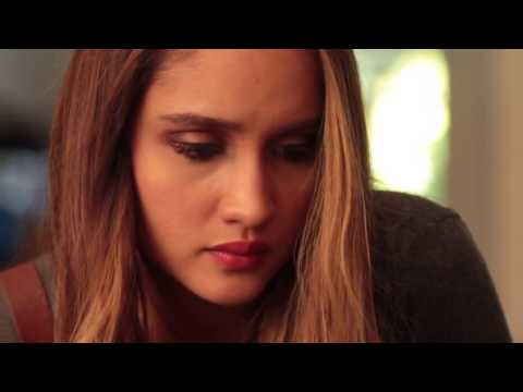 Trailer New Hollywood Movie Cinta Laura  - The Wallflower 2015