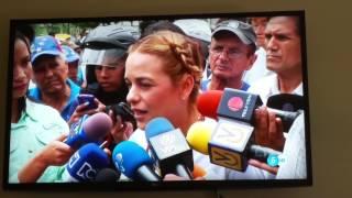Las noticias en España abren con la situación política de Venezuela. .