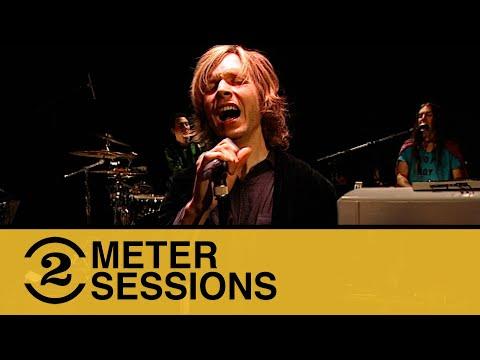 "Beck ""Devils Haircut"" Live 1999 | 2 Meter Session #879"