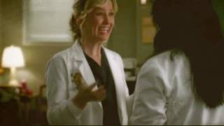 The Funny Side of Dr. Arizona Robbins :)