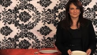The Etiquette for Waitresses : Etiquette Lessons(Subscribe Now: http://www.youtube.com/subscription_center?add_user=Ehow Watch More: http://www.youtube.com/Ehow If you're a waitress or a waiter, there ..., 2012-12-11T12:39:33.000Z)