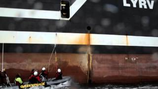 Greenpeace confronts the Margiris super trawler