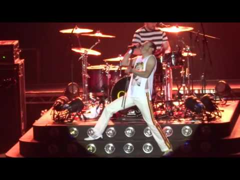 One Night Of Queen - Keep Yourself Alive - Lyon Bourse du Travail 16.10.2015