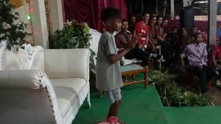 Joget Lucu Anak Kecil Di Pesta Pernikahan jadi hujan saweran
