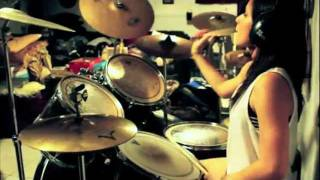 paramore miracle drum cover credit to wmg fbr warner chappell