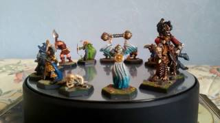 Vintage collection of Games Workshop Lord Of The Rings 1980's miniatures.   The Contractor