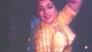 Rang Udi Gulal Rangiyo, Sajan Tara Sambharna - Gujarati Dance Song