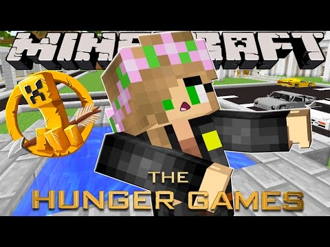 Minecraft - Hunger Games : LITTLE KELLY FALLS INTO A WELL!