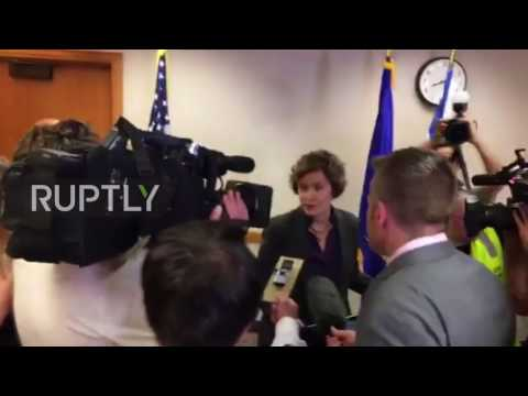 USA: Protesters shout down Minneapolis Mayor in press conference following police killing