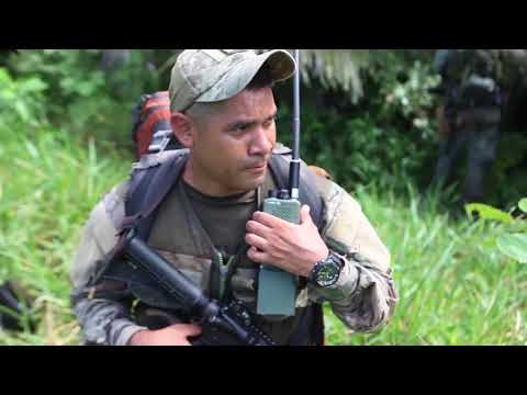 U.S. Marines with SPMAGTF-SC conduct training with Panamanian service members