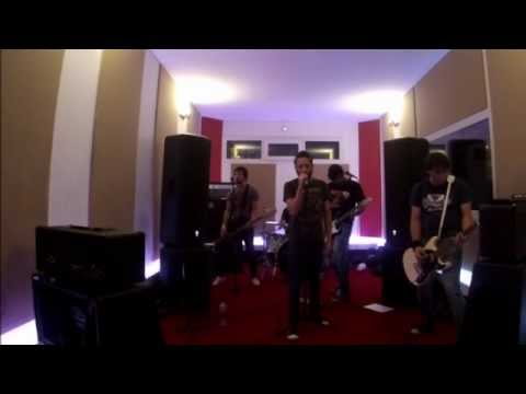 Pinheads - Don´t come close (Ramones cover)