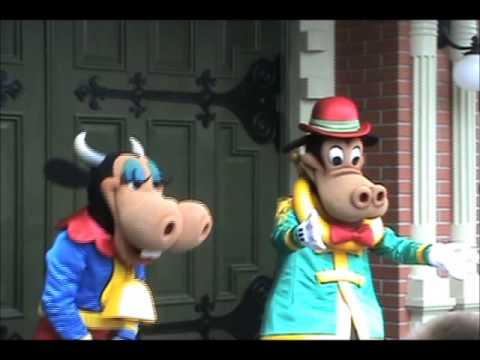 Meeting Clarabelle Cow and Horace Horsecollar   Flickr ...  Horace Horsecollar And Clarabelle Cow