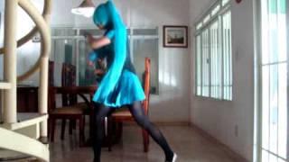 Hatsune Miku levan polkka dance