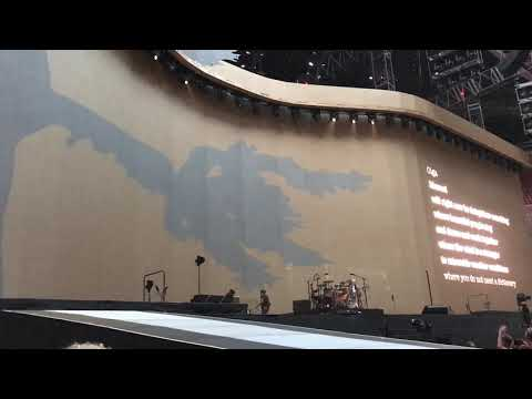 U2 - The Whole Of The Moon - Sunday Bloody Sunday