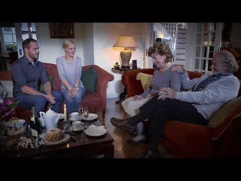 Wichtige Nachricht verkünden [subtitled] | Knallerfrauen mit Martina Hill