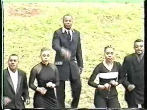 "Koffi Olomide & Quartier Latin: ""ali deb's"" - YouTube"