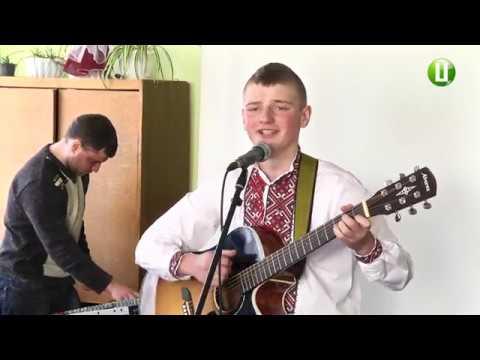 Поділля-центр: Школярі й студенти Ярмолинець зустрілися з учасниками Майдану в районній центральній бібліотеці