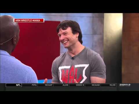 Arm Wrestler Devon Larratt takes on Marcellus Wiley