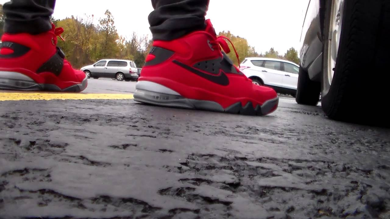 43a1372999 Nike Air Force Max red/grey anthracite on feet - YouTube