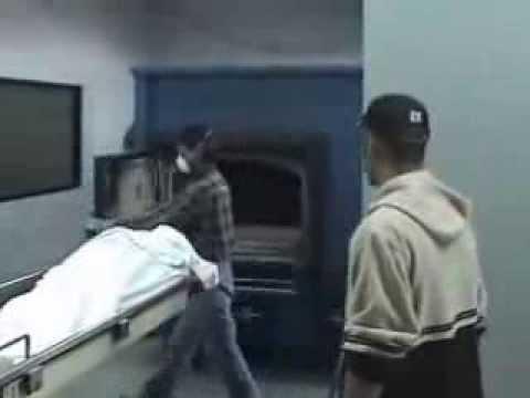 Proceso de Carga en Crematorio Incimex Modelo EC-60