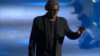 Adriano Celentano - Una carezza in un pugno (LIVE 2012)