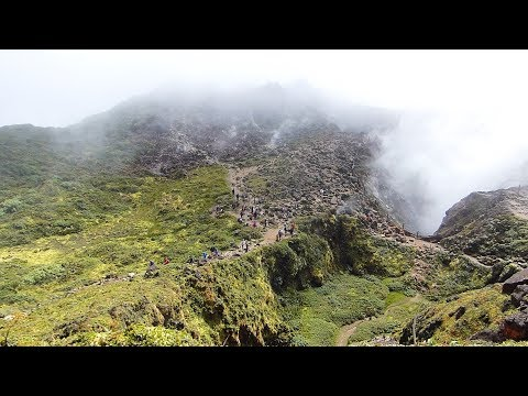 ASCENSION DU VOLCAN LA SOUFRIÈRE - GUADELOUPE
