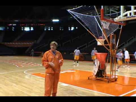 GREAT Shooting drill with Pat Summitt and the Gun