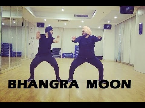 Download Lagu  BHANGRAJHOOMER ON MY MOON | AMRIT MANN | THE PROPHEC | CHANDIGARH BHANGRA CLUB Mp3 Free
