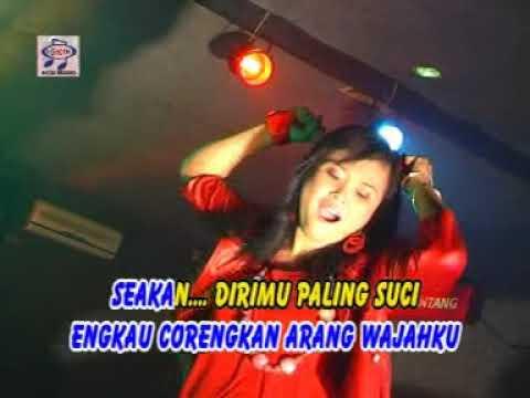 Mia Ms - Seakan Kau Paling Suci (Official Music Video)