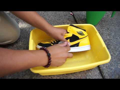 "Air Jordan 1 ""New Love"" Midsole Whitening Walkthrough With @vnguyen75"