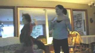Mom playing wii tennis... Hilarious!!! 森山花奈 検索動画 10