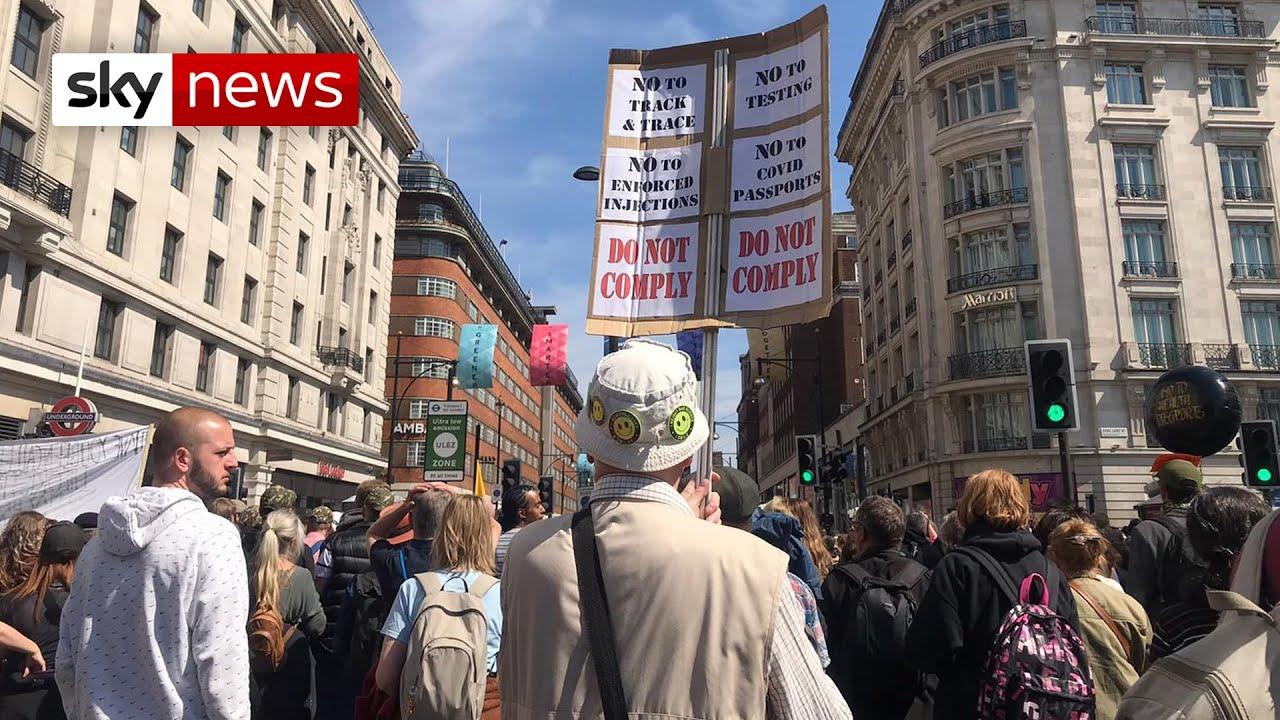 COVID-19, Nagy-Britannia: Ezrek tiltakoztak ma a koronavírus-szabályok ellen Londonban