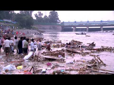 At the banks of Yamuna for Visarjan: Durga Puja in Delhi
