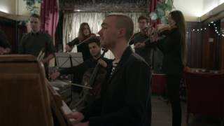 'As The World Caves In' performed by Matt Maltese in London – Burberry Acoustic